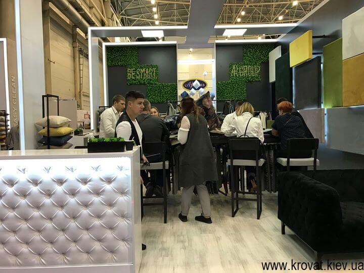 мебельные ткани на выставке мебели в Киеве 2018