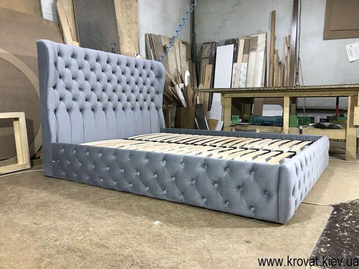 двухместная кровать с капитоне на заказ