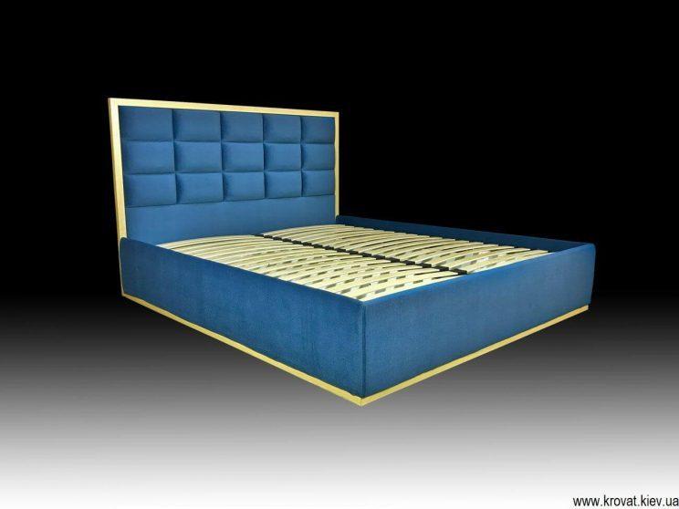 кровать деревянным обрамлением спинки на заказ