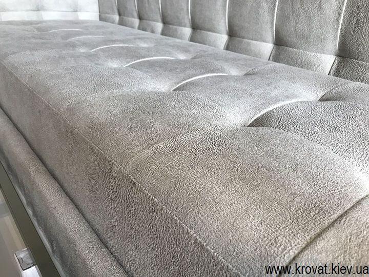 кровать в нише комнаты с тремя спинками на заказ