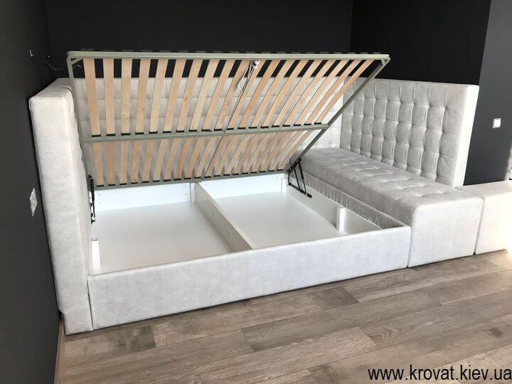 кровать в нише комнаты с подъемным механизмом на заказ
