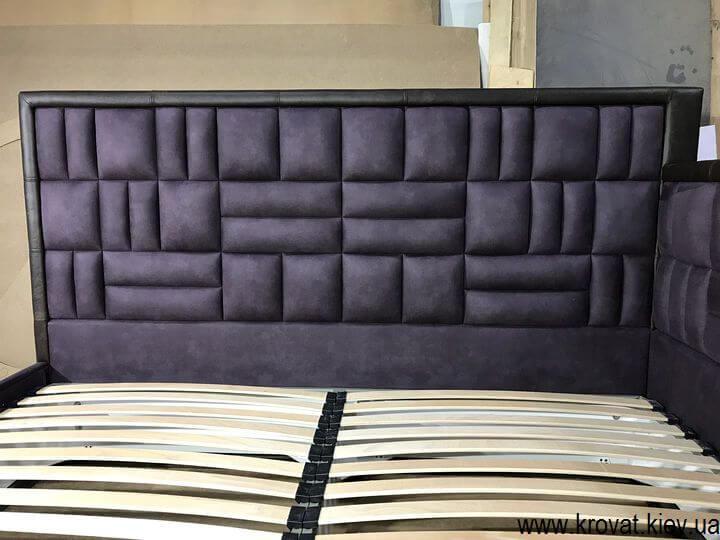 кровать с кожаным обрамлением на заказ