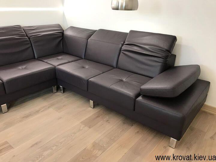 угловой кожаный диван с подголовниками на заказ