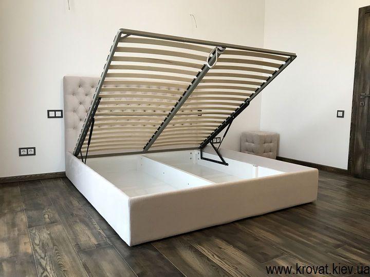 кровать с тканевой обивкой с подъемным механизмом на заказ