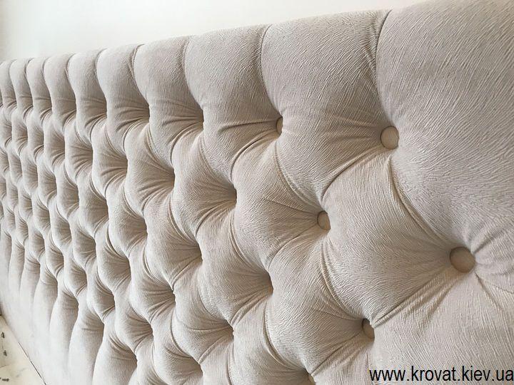 кровать с тканевой обивкой с пуговицами на заказ
