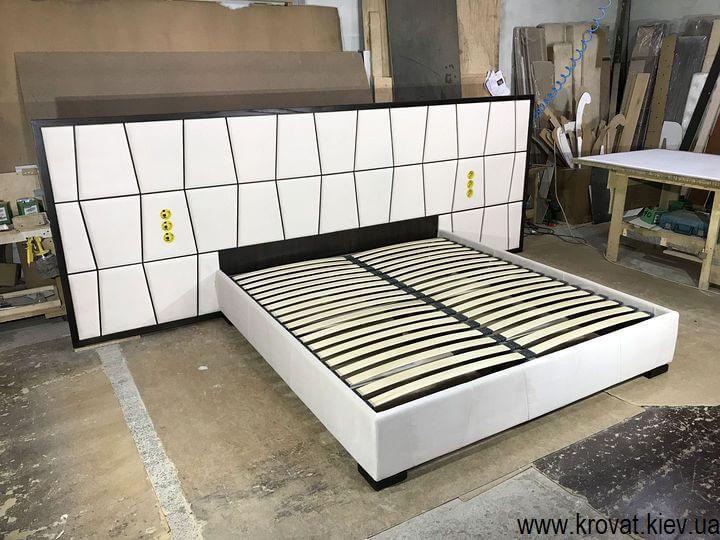 эксклюзивная кровать с широким изголовьем на заказ