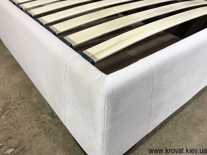 эксклюзивная кровать с деревянной рамкой на заказ