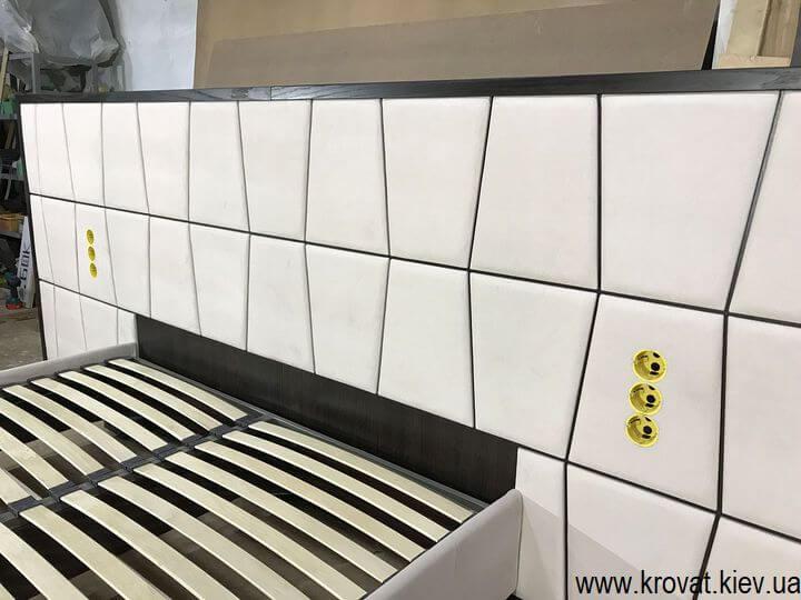 эксклюзивная кровать со встроенными розетками на заказ