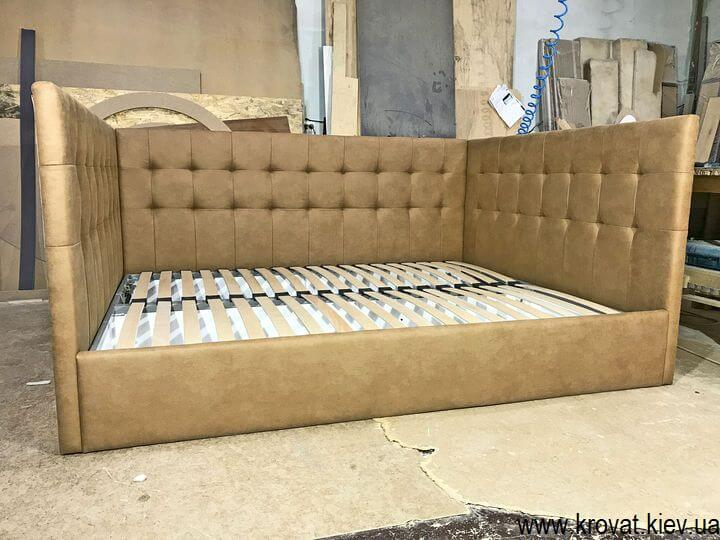 кровать в нишу спальни на заказ