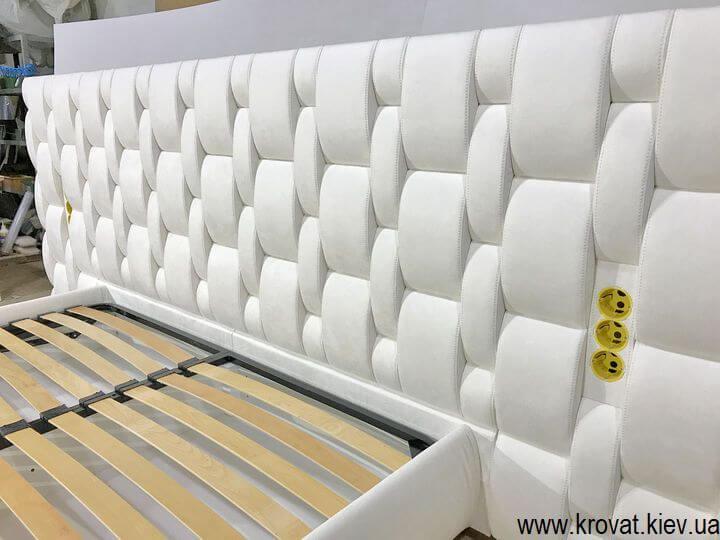 элитная кровать со встроенными розетками на заказ