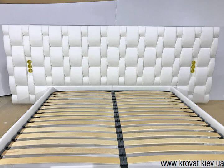 кровать с переплетением на спинке на заказ