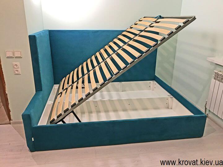 угловая кровать с подъемным механизмом на заказ в спальню