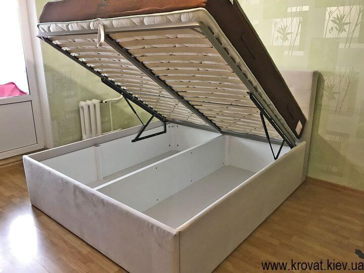 высокая кровать подиум с подъемным механизмом на заказ