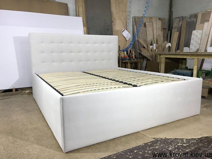 высокая двуспальная кровать подиум на заказ