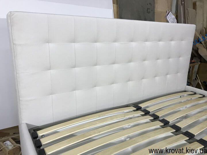 высокая кровать подиум для спальни на заказ