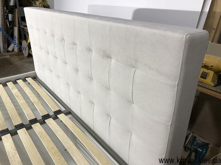 высокая кровать подиум американский стандарт на заказ