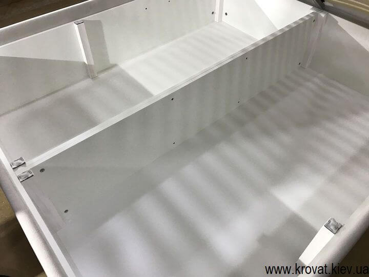 високе ліжко з великим ящиком для білизни на замовлення