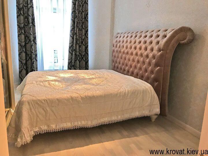 интерьер спальни с кроватью Италия на заказ