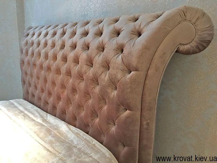 класичне ліжко з великим узголів'ям на замовлення