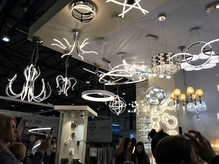 освещение на мебельной выставке в Киеве