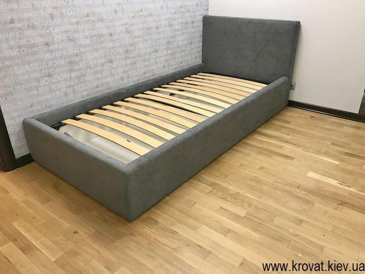односпальне ліжко в інтер'єрі спальні на замовлення