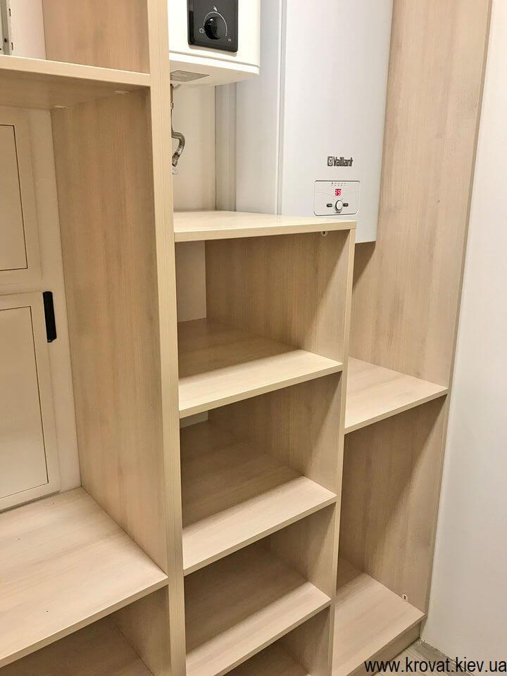 невелика гардеробна кімната в квартирі на замовлення
