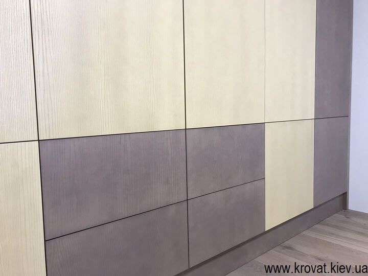 шпонированный шкаф в интерьере детской на заказ