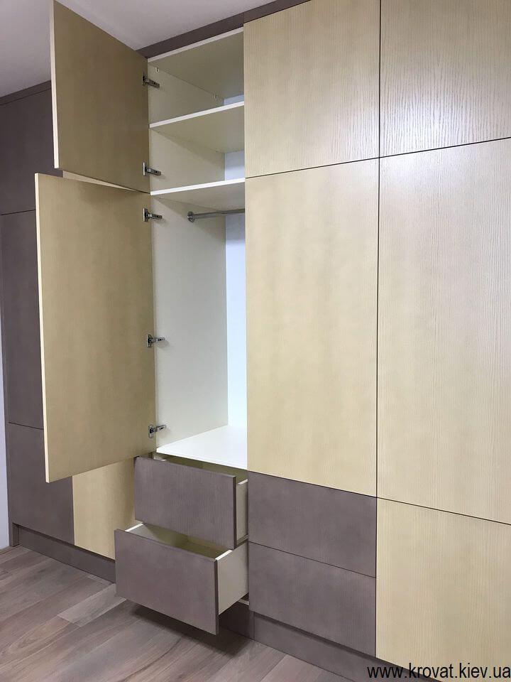 шкаф с распашными дверьми в спальню на заказ