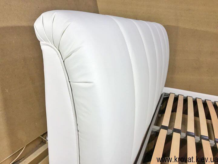 кровать с кожаной спинкой на заказ в Киеве