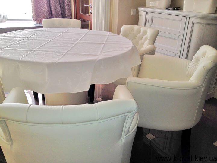 изготовление кресел для гостиной на заказ