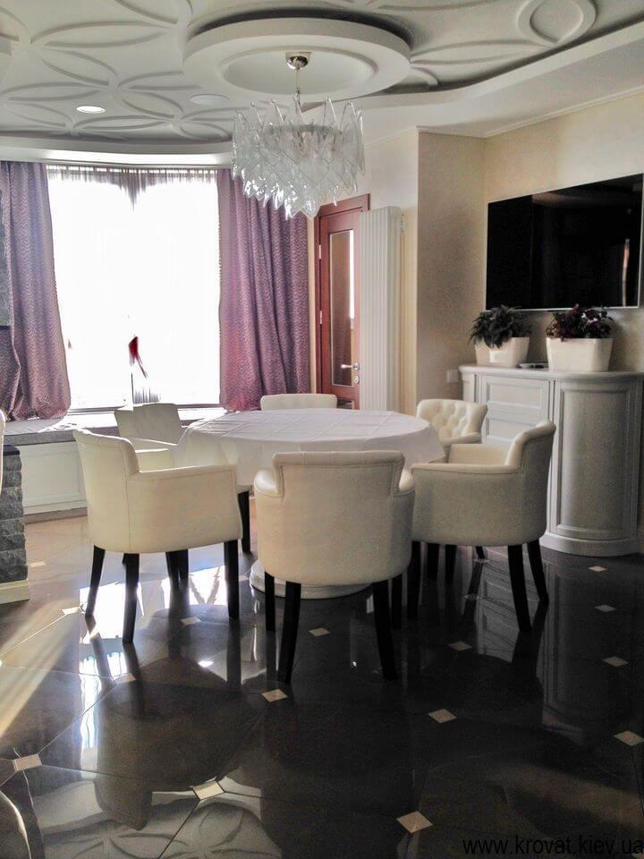 кожаные кресла в интерьере дома на заказ