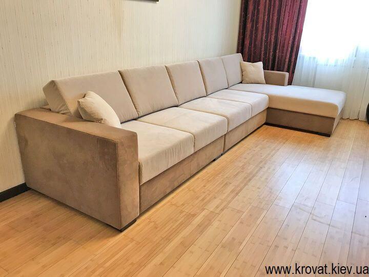 угловой диван со спальным местом в интерьере гостиной