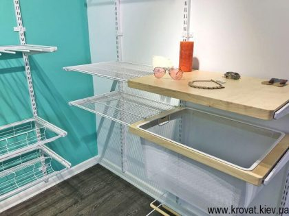 система переставных полок для гардеробной