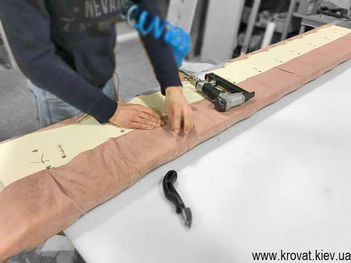 производство классических кроватей на заказ