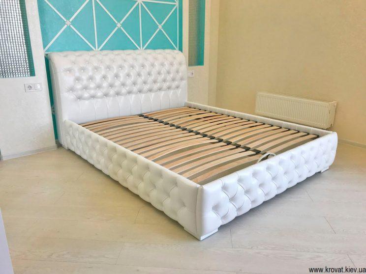 кровать с мягким изголовьем в спальню на заказ