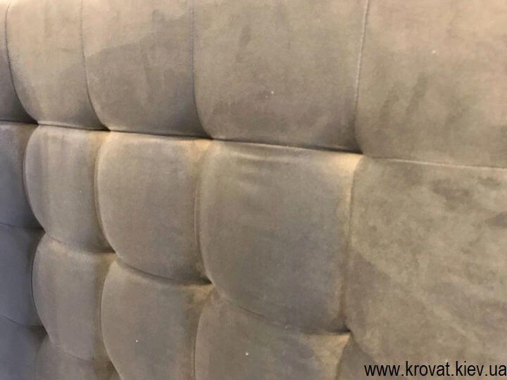мягкая стеновая панель с квадратными утяжками