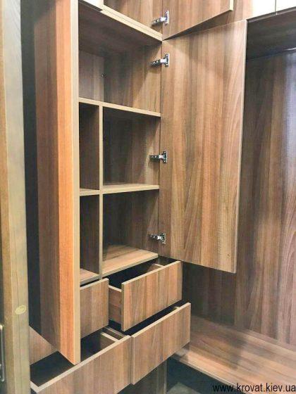 маленька гардеробна кімната на замовлення