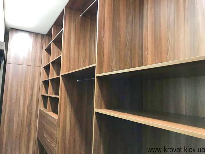 велика гардеробна кімната на замовлення