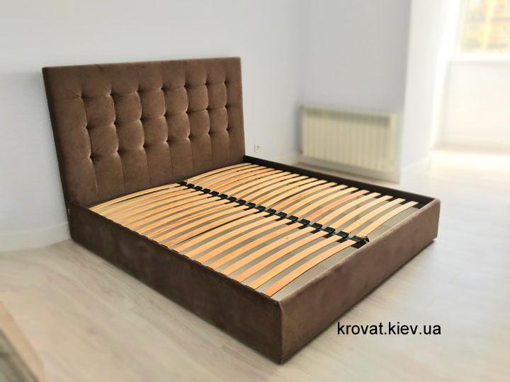 кровать с велюровым изголовьем в интерьере спальни на заказ