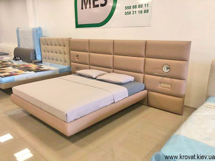 ліжко з високими ніжками на замовлення