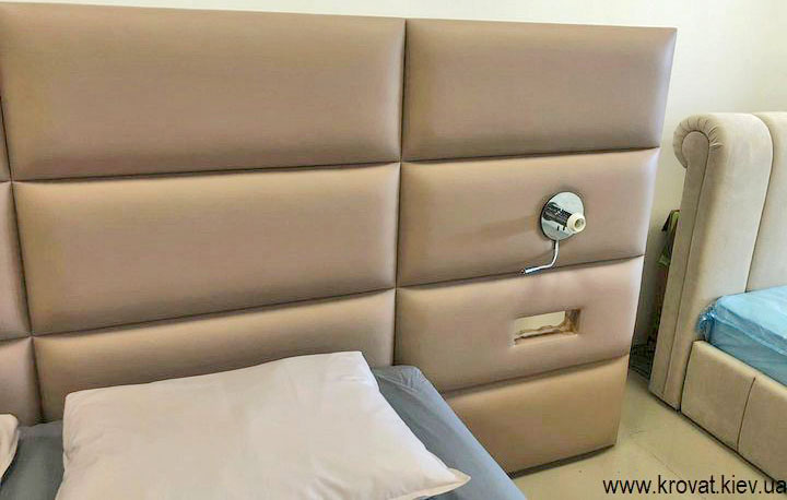 кровать с встроенными светильниками в изголовье на заказ