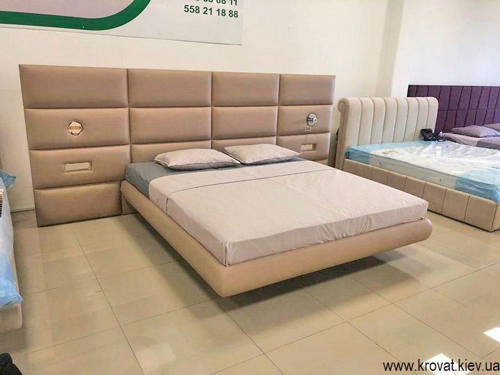 кровать парящая в воздухе над полом на заказ