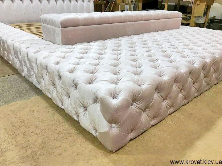 большие кровати в спальню на заказ
