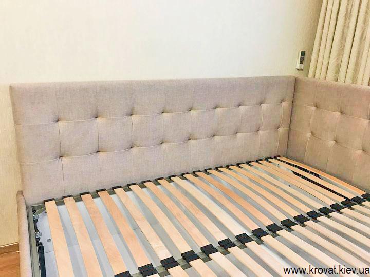 угловая кровать с мягким изголовьем на заказ