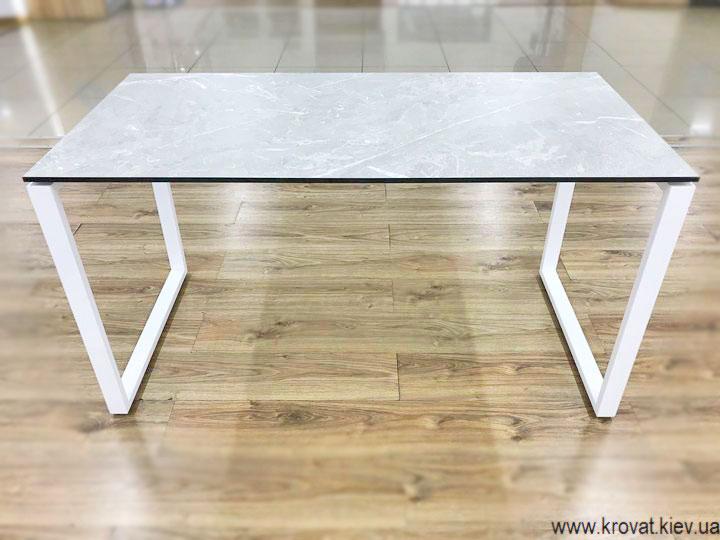 стіл письмовий на металевих ніжках