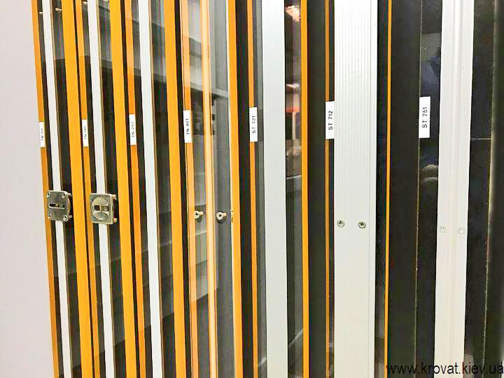 системы выпрямления дверей