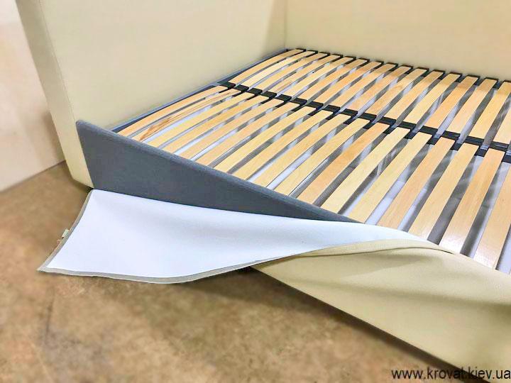 ліжко з оббивкою з екошкіри на замовлення