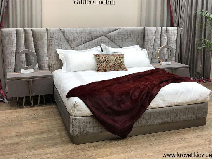 итальянская кровать season valderamobili на выставке