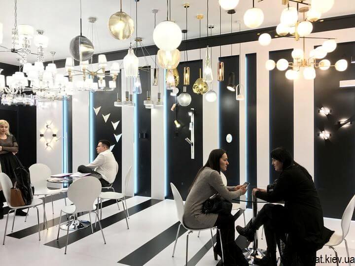 выставка светильников