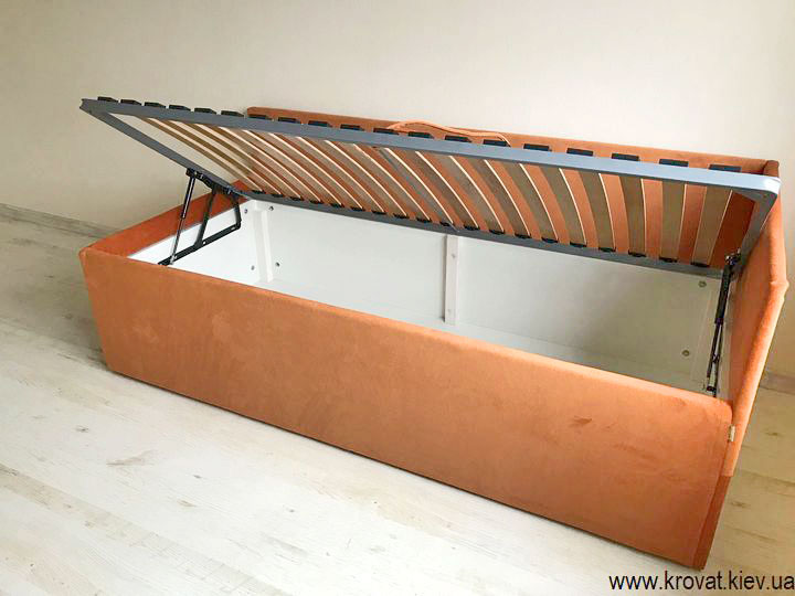 одноместная угловая кровать на заказ